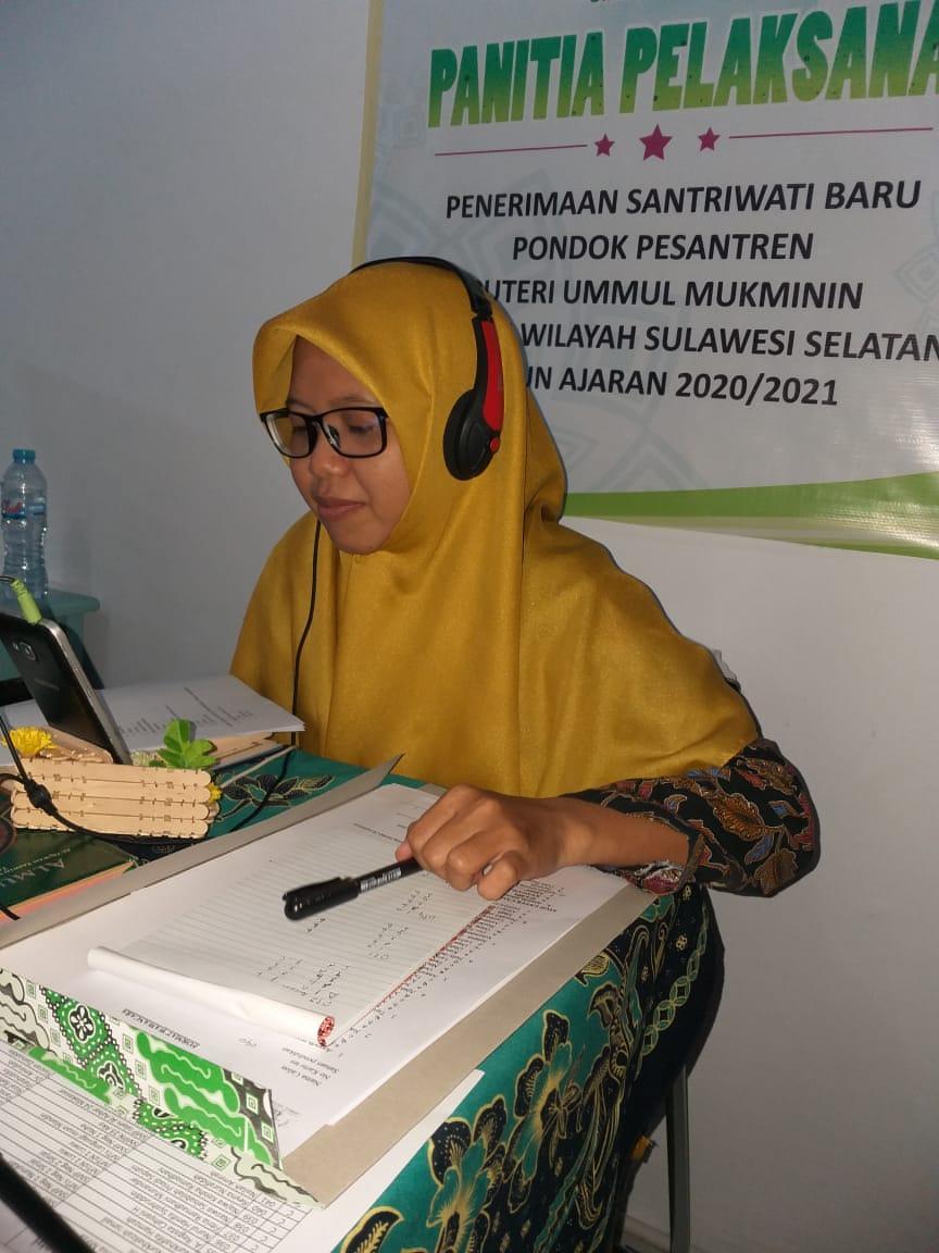 441 Orang Calon Santri Pondok Pesantren Puteri Ummul Mukminin Ikuti Tes Online