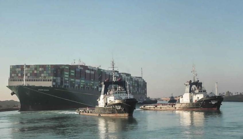 61 Kapal Terakhir yang Terblokade Akan Melewati Terusan Suez