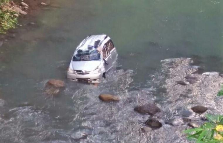 Antar Anak Menikah di Bone, Rombongan Keluarga Tewas Kecelakaan di Sinjai