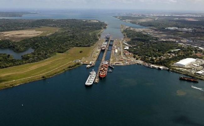 Apa Sih Perbedaan Terusan Suez dan Terusan Panama? Simak Ulasannya