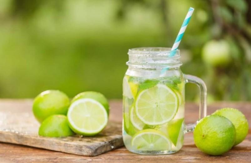 Apakah Air Jeruk Nipis Benar-Benar Ampuh untuk Turunkan Berat Badan?
