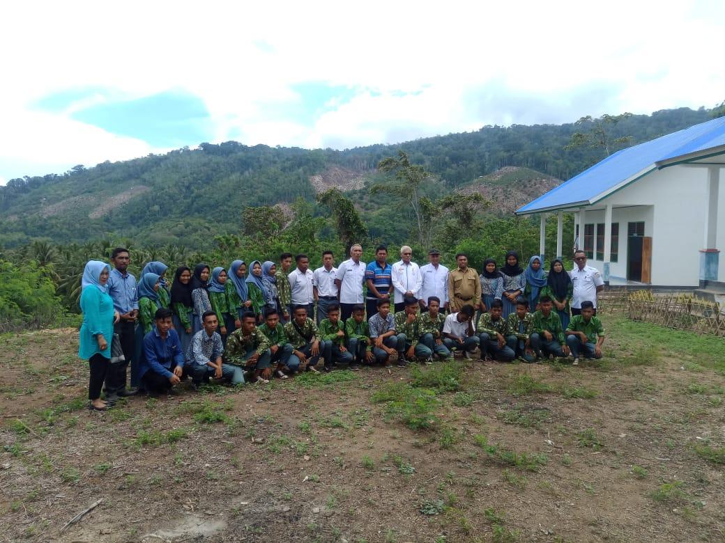 Asrun Lio Gencar Kunjungi Sekolah Terpencil