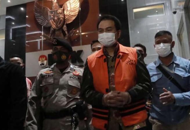 Azis Syamsuddin Ditahan KPK, Sudirman Said Prihatin