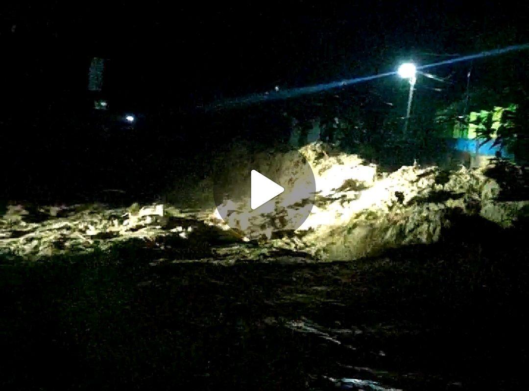 BERITA VIDEO: Detik-detik Banjir Bandang Seret Korban di Masamba