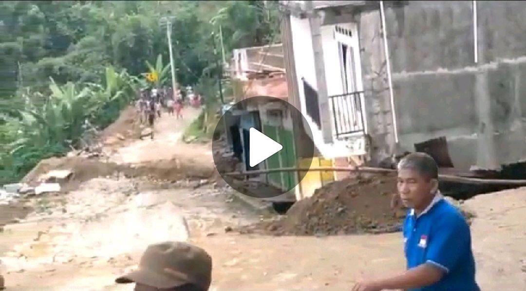 BERITA VIDEO: Longsor yang menenggelamkan Rumah di Desa Battang Poros Toraja Palopo (2)