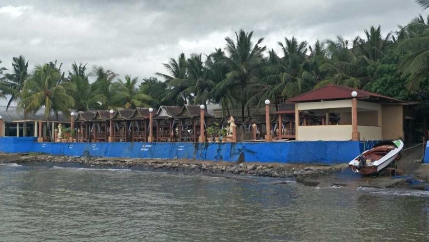 Bangunan Hotel Wisata Sampulungan Diduga Langgar Sempadan Pantai