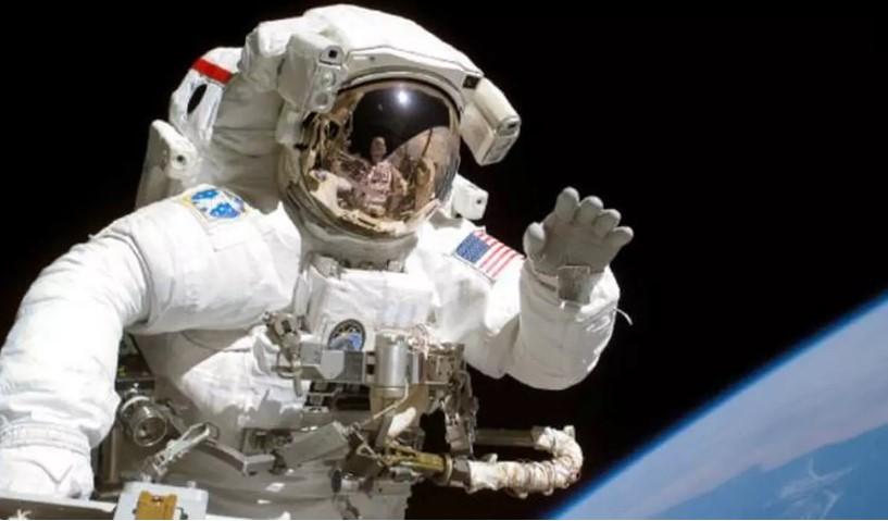Begini Cara Kerja Toilet Astronaut di Antariksa Agar Kotoran Tak Melayang