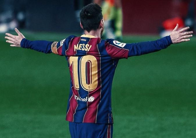 Beredar Video Jalan Kaki Dekat Pemain PSG, Messi Dianggap Setengah Hati Bela Barcelona