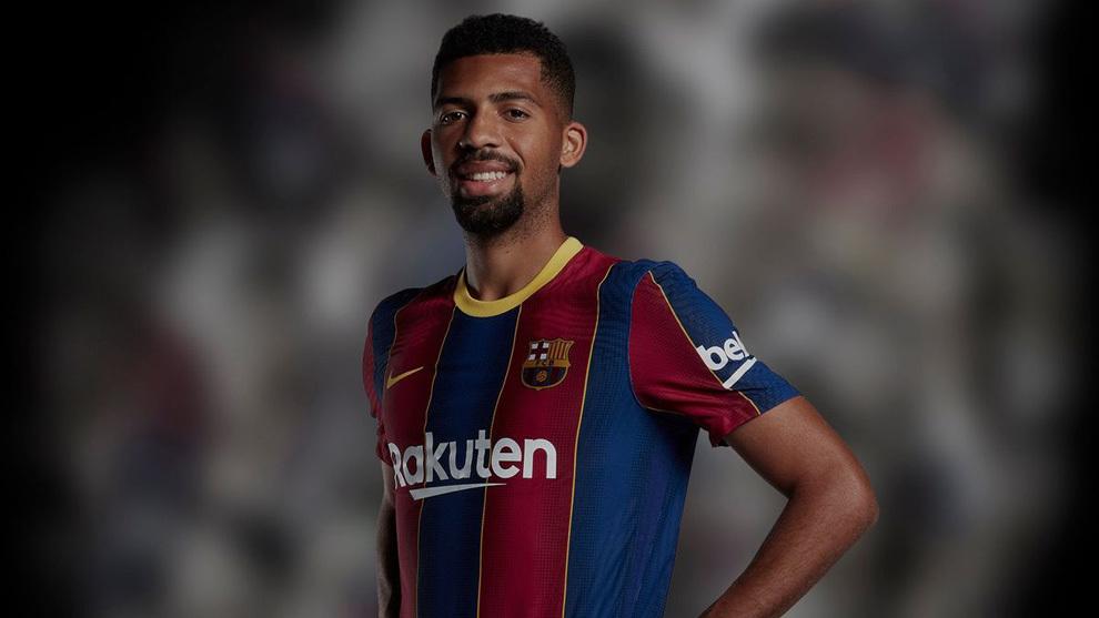 Bermain 17 Menit Pemain Barcelona Ini Dipecat Lewat Surel