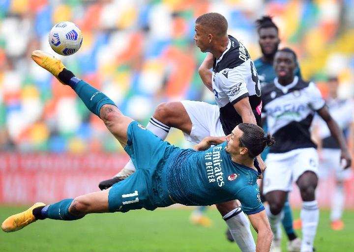 Bicycle-kick Ibrahimovic Antar AC Milan Menangi Laga atas Udinese