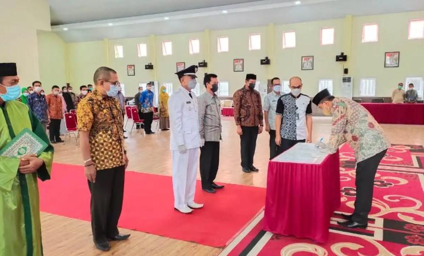 Bupati Wajo Lantik 50 Pejabat Administrasi dan Pengawas Lingkup Pemkab Wajo