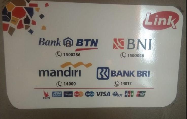 Ciri-ciri ATM yang Kena Biaya Transaksi