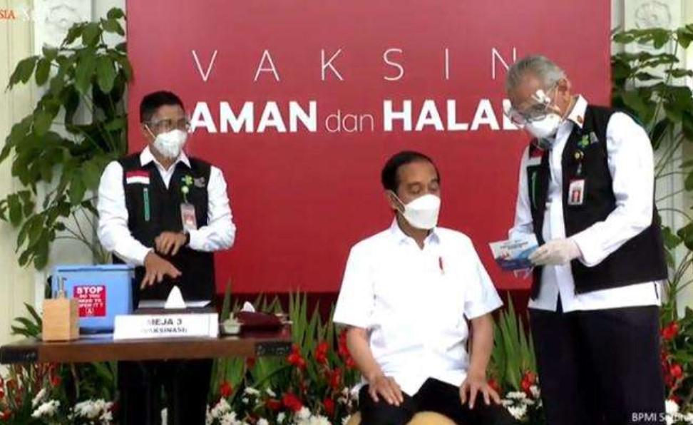 Daftar Tokoh yang Disuntik Vaksin Covid-19 Perdana Bareng Jokowi