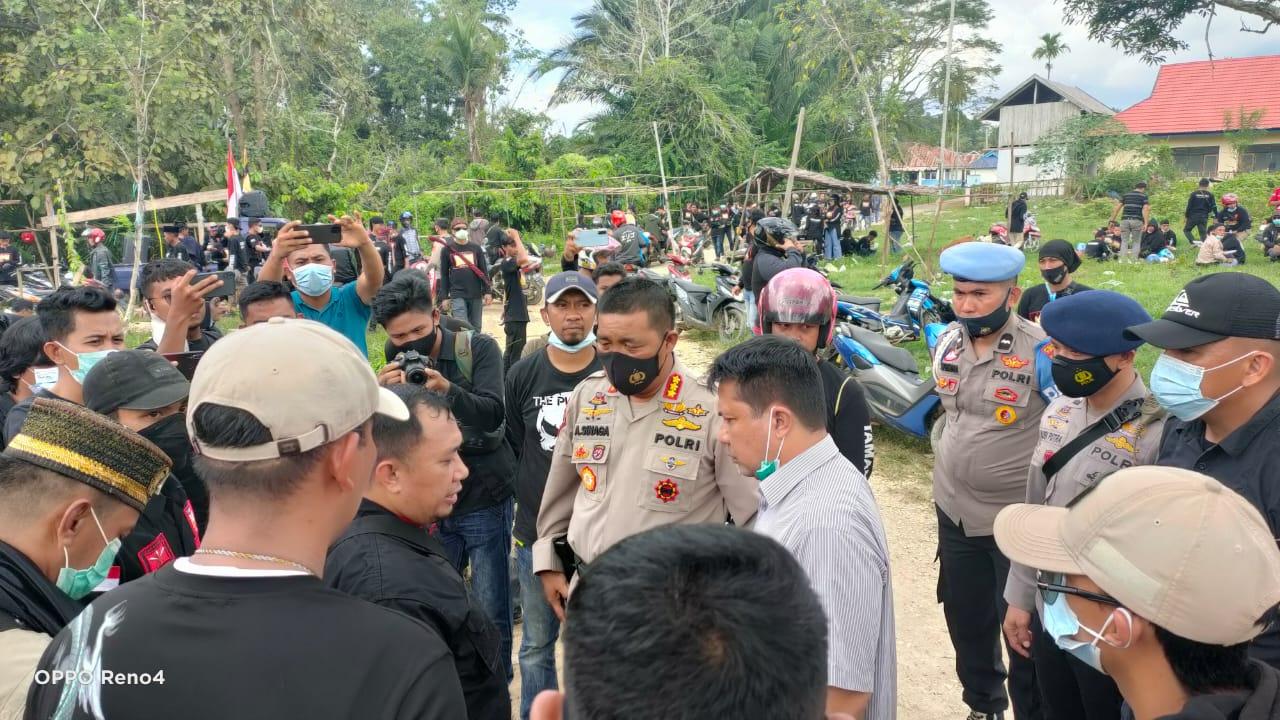 Demo Ormas Tawon di PT VDNI dan OSS Berlangsung Damai. Massa Bubar Dengan Tertib