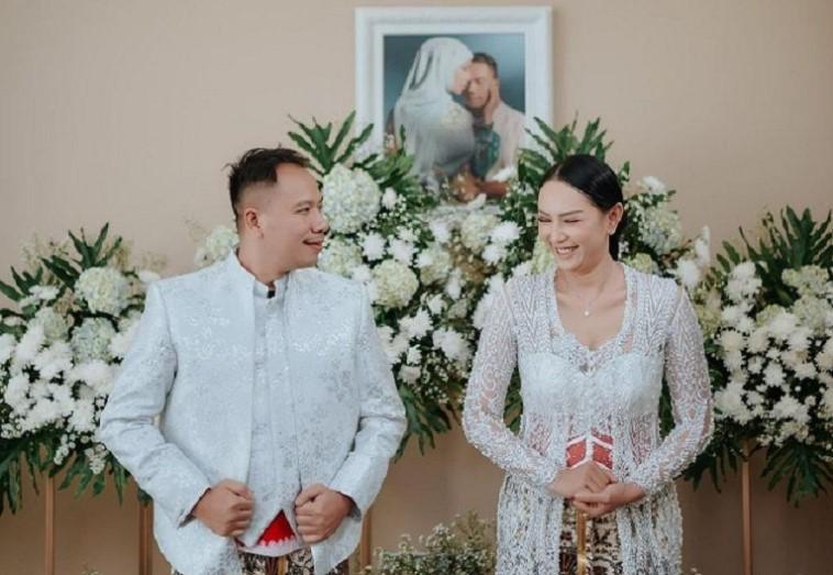 Dijadwalkan Resepsi 21 Februari, Kalina Oktarani dan Vicky Prasetyo Batal Nikah