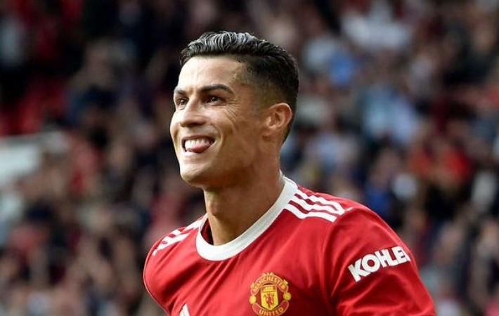 Dua Gol Ronaldo Antarkan MU ke Puncak Klasemen Liga Inggris