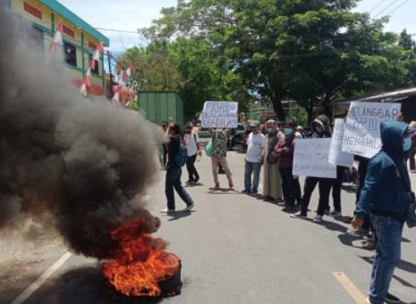 Forderat Demo di Kantor Bawaslu Usai Kasus Bagi-bagi Amplop Dihentikan