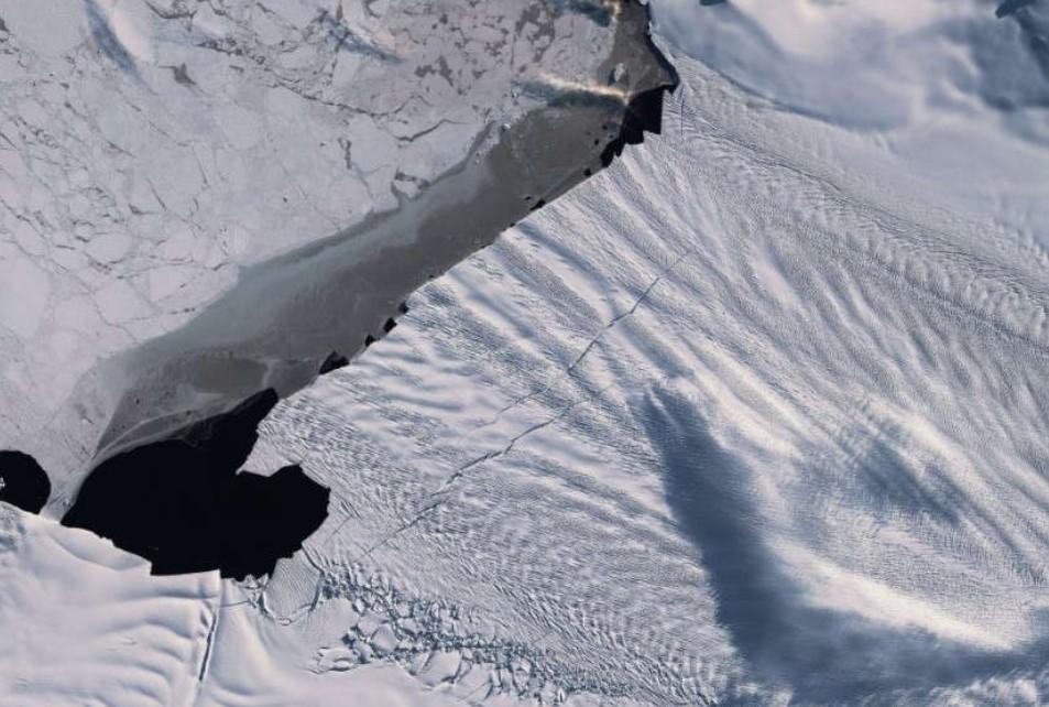 Gletser Terbesar Antartika Berada di Ambang Kehancuran
