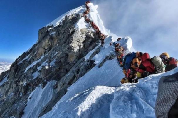 Gunung Everest Bertambah Tinggi, ini Penyebabnya