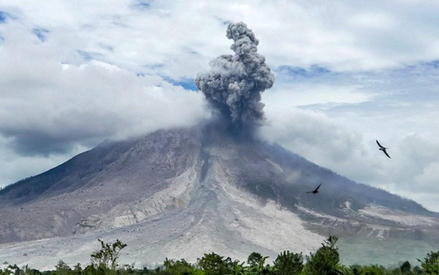 Gunung Sinabung Meletus, Berikut Rilis Pos PVMBG Setempat
