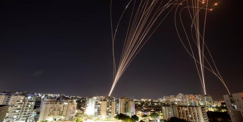 Hamas Respon Serangan Israel dengan Tembakan 130 Roket ke Tel Aviv