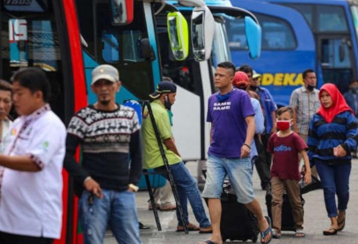 Hasil Survei Lembaga Puspoll Indonesia, Hampir 50% Responden Tak Setuju Mudik Dilarang