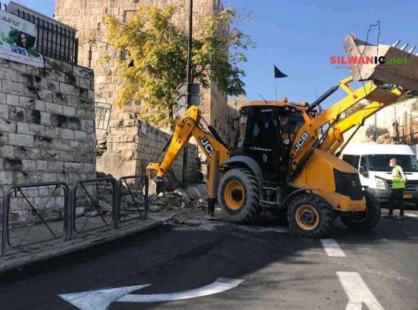 Israel Bongkar Tangga Menuju Masjid Al-Aqsa?