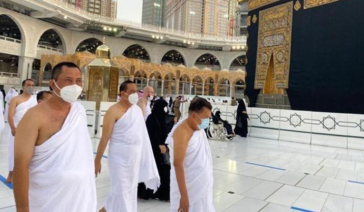 JK Peserta Umrah Pertama Dari Luar Arab Saudi