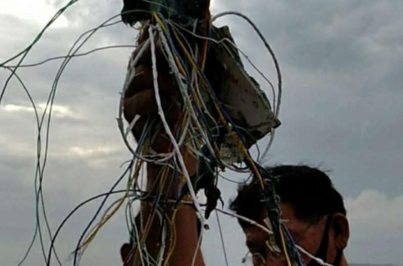 Kabel dan Serpihan Ditemukan Petugas di Pulau Laki, Diduga Milik Sriwijaya Air yang Jatuh