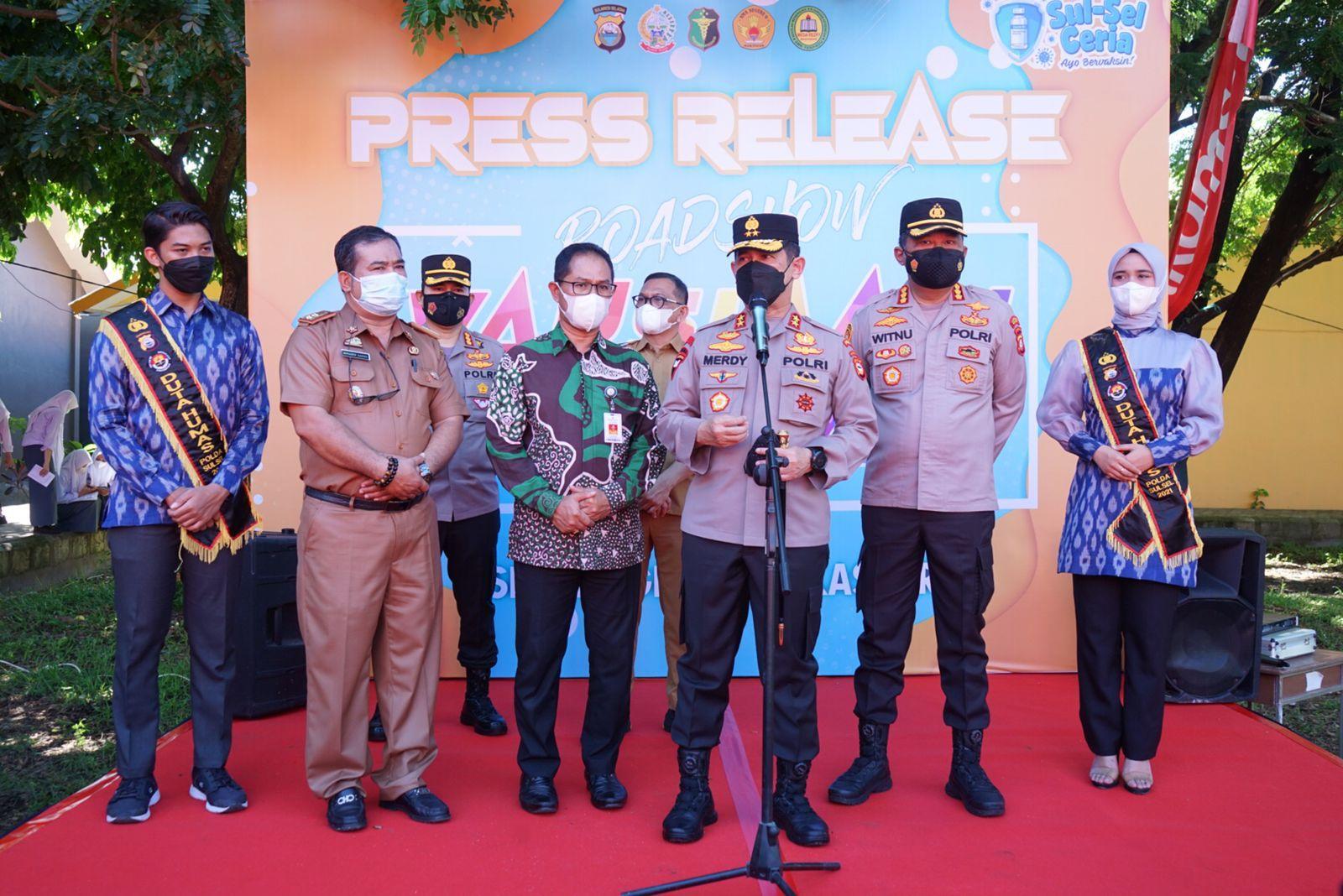 Kapolda Sulsel Hadiri Launching Road Show Vaksinasi Pelajar Yang Digelar Dinas Pendidikan