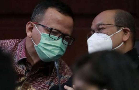 Kasus Benur , Sespri Edhy Prabowo Transfer Uang Rp 1 Miliar Ke rekening Karyawan Toko Durian