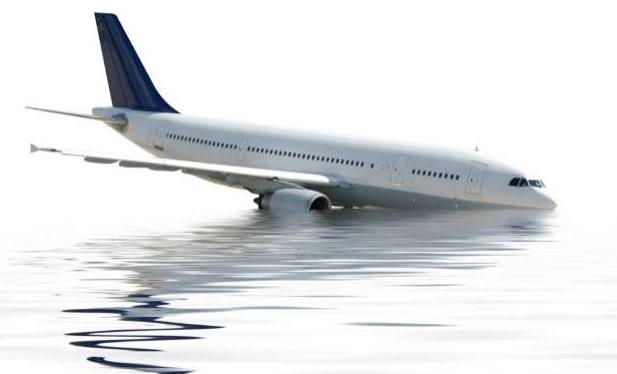 Kenapa Pesawat Sering Terbang Melintasi Lautan? Ini Alasannya.