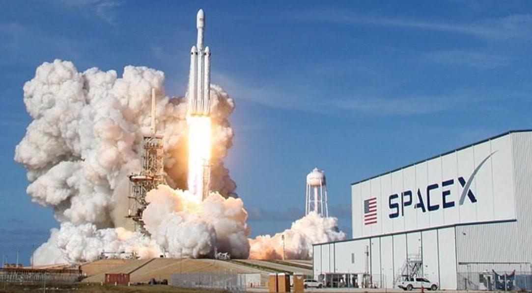Lalu Lintas Luar Angkasa makin Padat, SpaceX dituding sebagai Penyebabnya