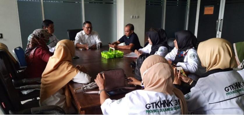 Lama Mengabdi, Guru Honorer Bulukumba Minta Jokowi Diangkat PNS tanpa Syarat
