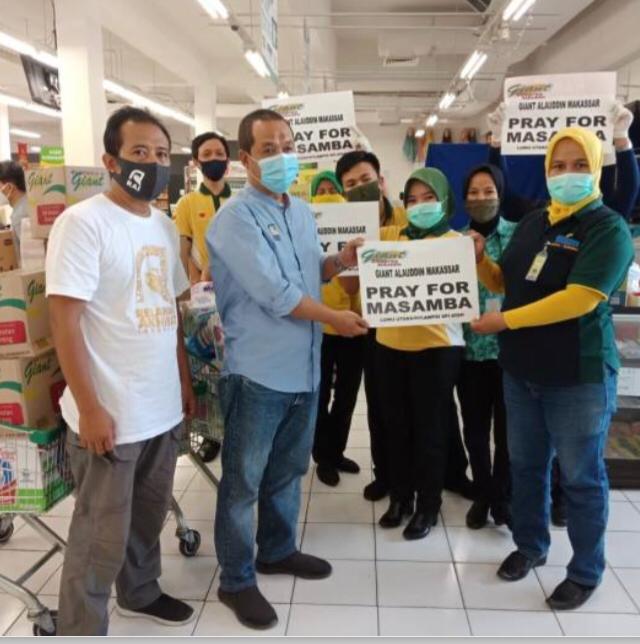 Lewat Relawan Akhirat Makassar, Giant Alauddin Salurkan Bantuan untuk Korban Banjir Bandang Masamba