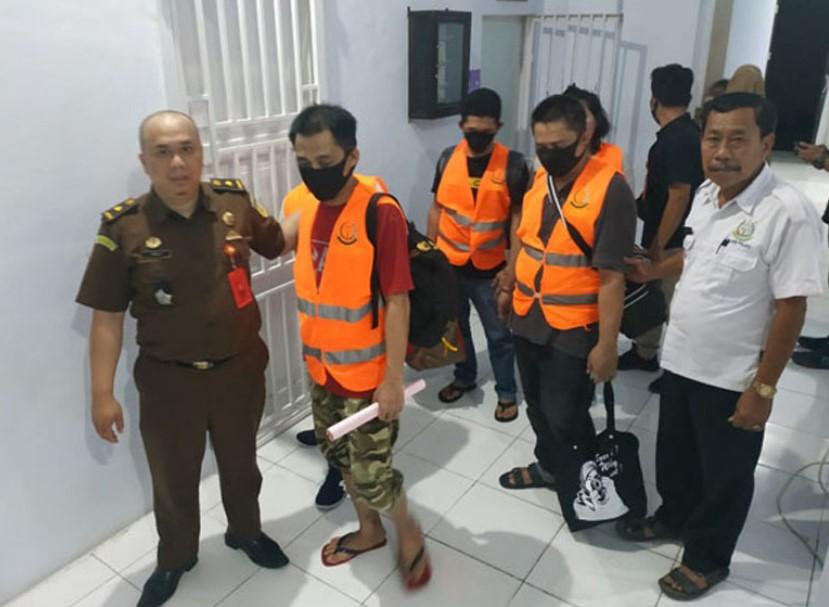 Lima Tersangka Penipuan Lewat SMS Tiba di Palopo
