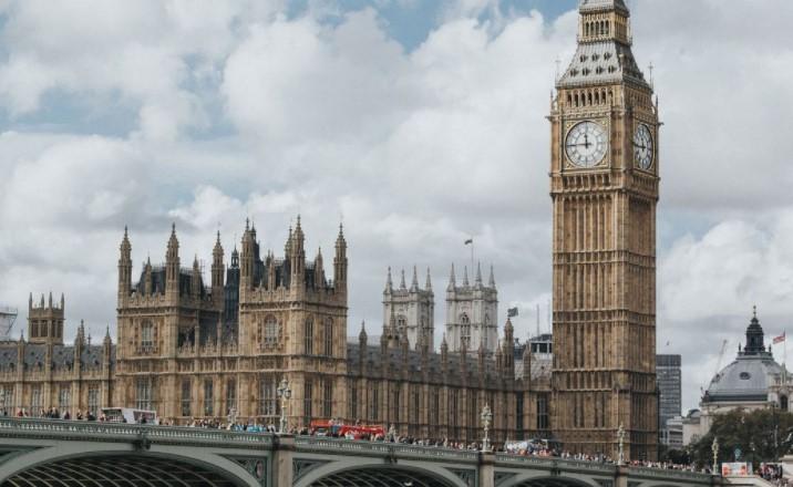 Lockdown Turunkan Jumlah Kasus Covid-19 di Inggris