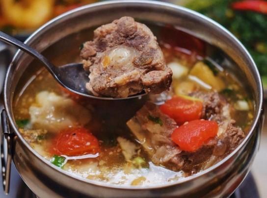 Makanan dan Minuman Ini Baik Dikonsumsi di Musim Hujan untuk Hangatkan Tubuh