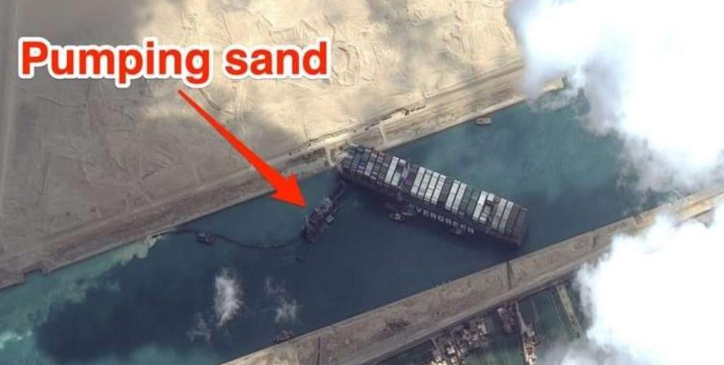 Mashhour, Keruk Pasir Hingga 2000 Kubik per Jam Bebaskan Ever Green di Terusan Suez