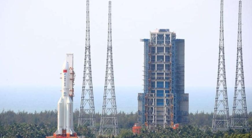 Meluncur Tak Terkendali, Dimana Roket Peluncur China Bakal Jatuh?
