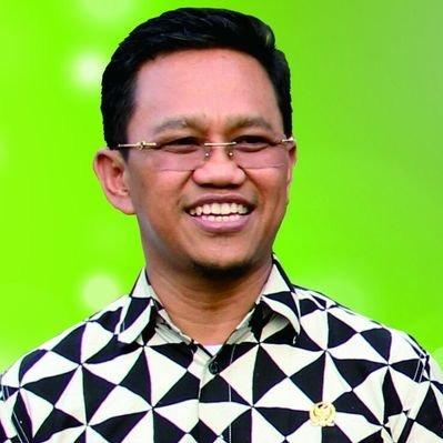 Membedah Pikiran Dr HM Amir Uskara, M.Kes.  Tentang Membangun Desa,Pengelolaan Dana Desa di Sulawesi Selatan, Solusi dan  Pemecahannya