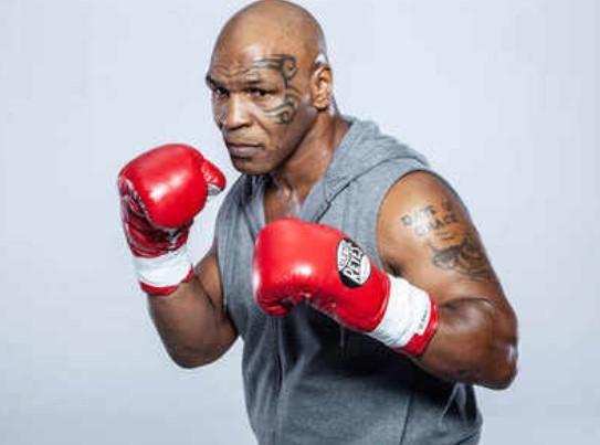 Menanti Duel Mike Tyson Selanjutnya, Antara Holyfield Atau Lewis
