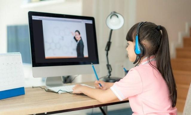 Menurut Survei, Mayoritas Responden Kesulitan Sekolah Online