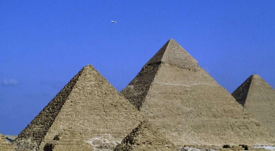 Mesir Tantang Elon Musk, Buktikan Piramida bukan Dibangun Alien