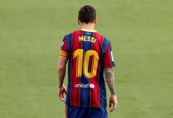 Messi Putuskan Tetap Bertahan di Barcelona 2 Tahun ke Depan