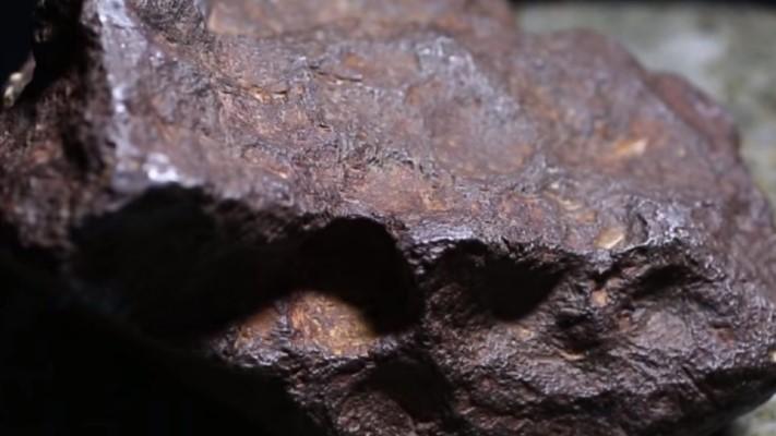 Meteorit Berusia Miliaran Tahun Dilelang dengan Harga Fantastis