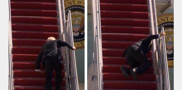 Momen Joe Biden Tersandung Saat Menaiki Tangga Pesawat