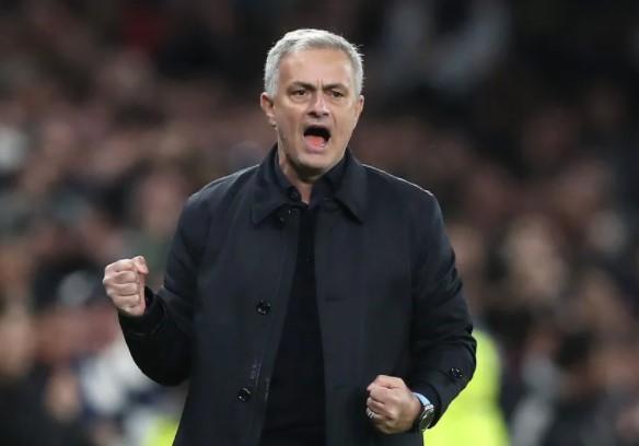 Mourinho Jelaskan Taktik Tottenham Yang Bikin Manchester City Frustasi