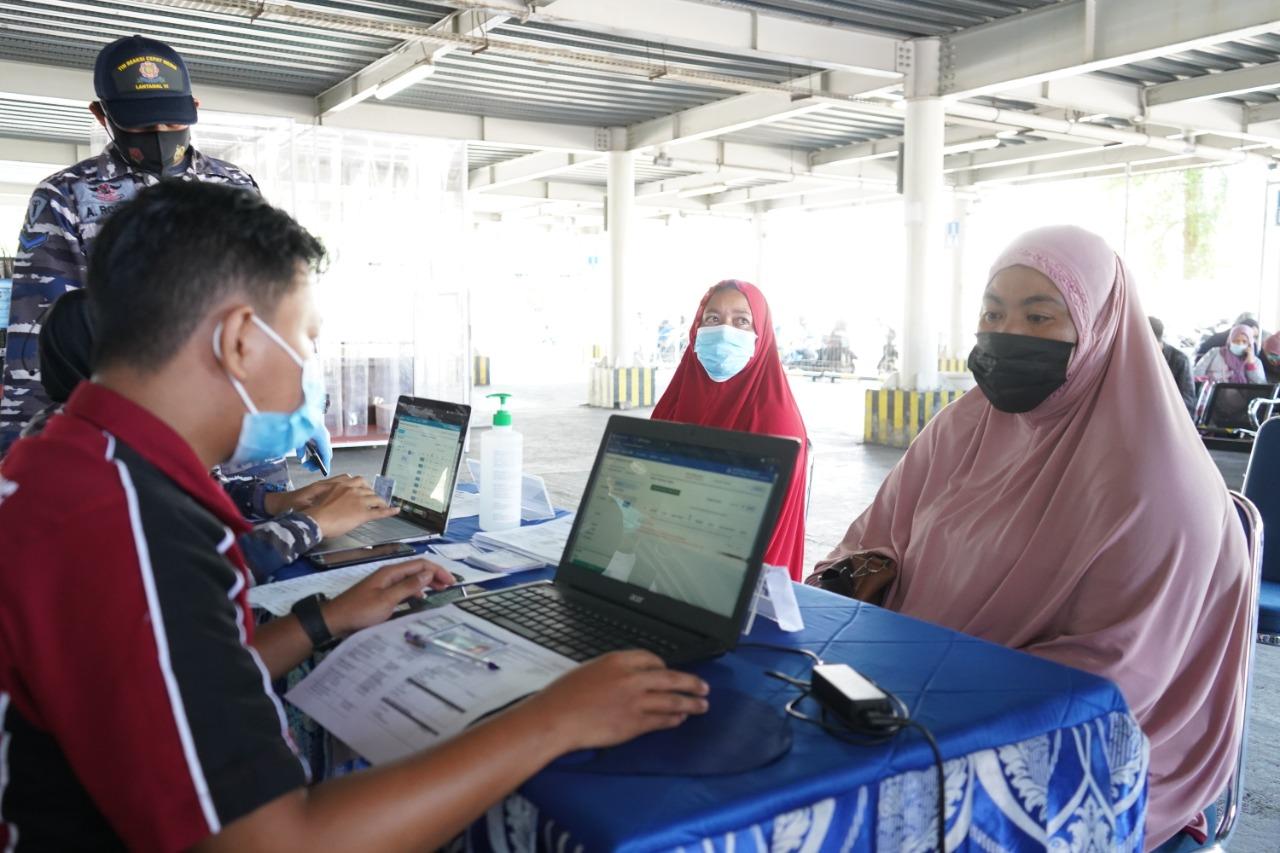 Pelindo IV Berikan Vaksin Gratis kepada Keluarga Pegawai, Vendor & Asosiasi