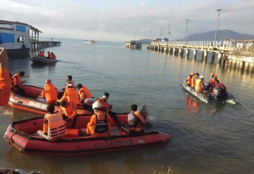 Perahu Terbalik di Danau Towuti, Dua Korban Masih Dicari oleh Basarnas